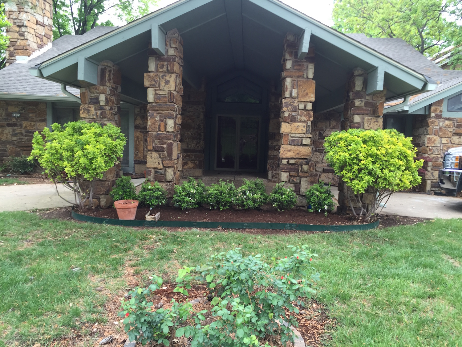 Landscaping henderson tree and landscape for Tree and garden services
